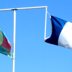 How would New Caledonia's culturally diverse population factor into independence?